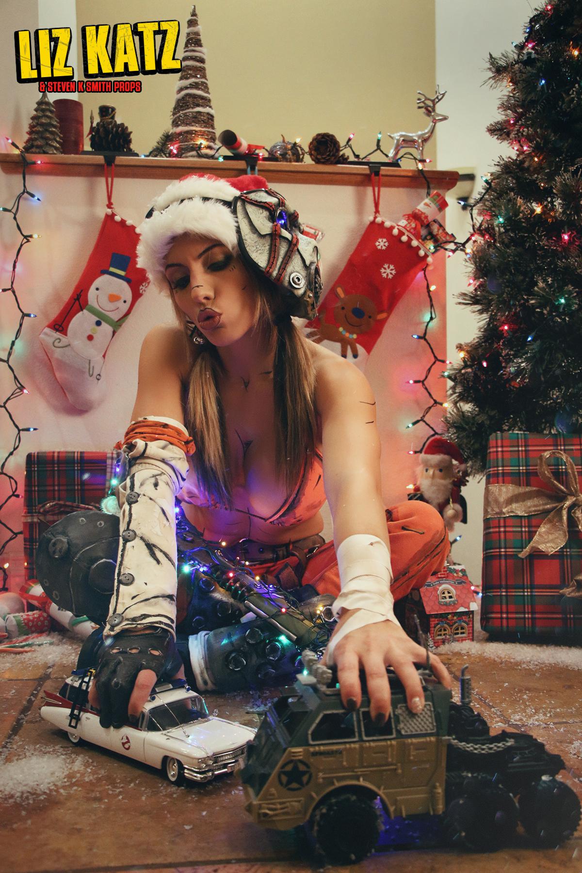 Merry Christmas Ya Filthy Animal – Borderland's Christmas Psycho Cosplay